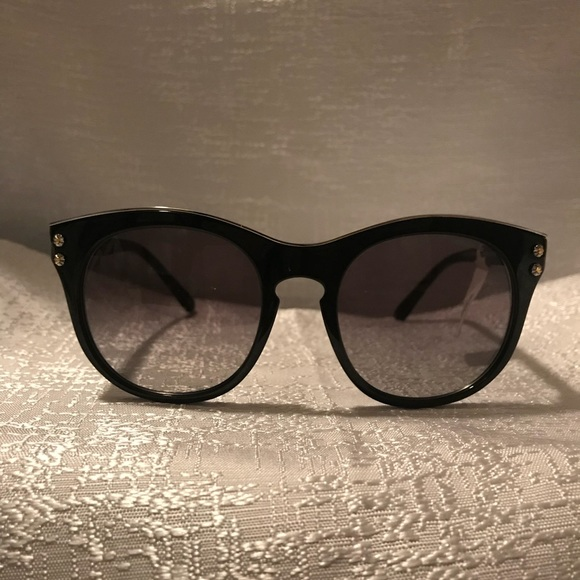 a5bf2c98e9293 NWT Coach Grey Gradient Cat eye Sunglasses